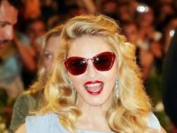 Мадонна в очках от Miu Miu на Венецианском кинофестивале